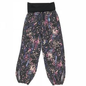 Lululemon Multi-Color Baggy Jogger 3/4 Pants